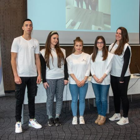 20 Stipendisti: Petar Isaković, Nikolija Galjak, Milena Lazarević, Jovana Ristić, Marta Galjak