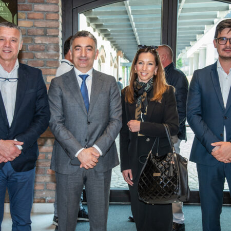 21 Mr. Turkoglu with the representatives of Akbolat Nova Adresa.